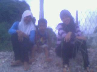 Maya, adiknya, dan aku.. ^^